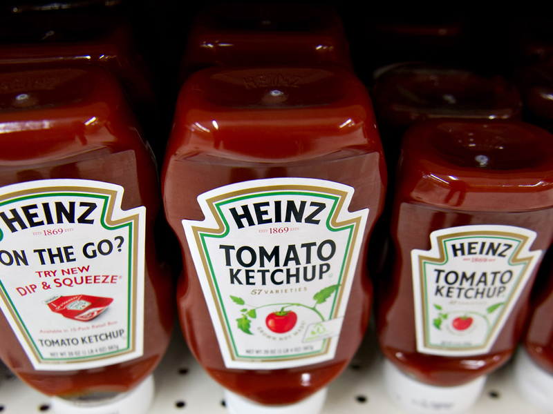 Kraft Heinz plunges to record low after disappointing results