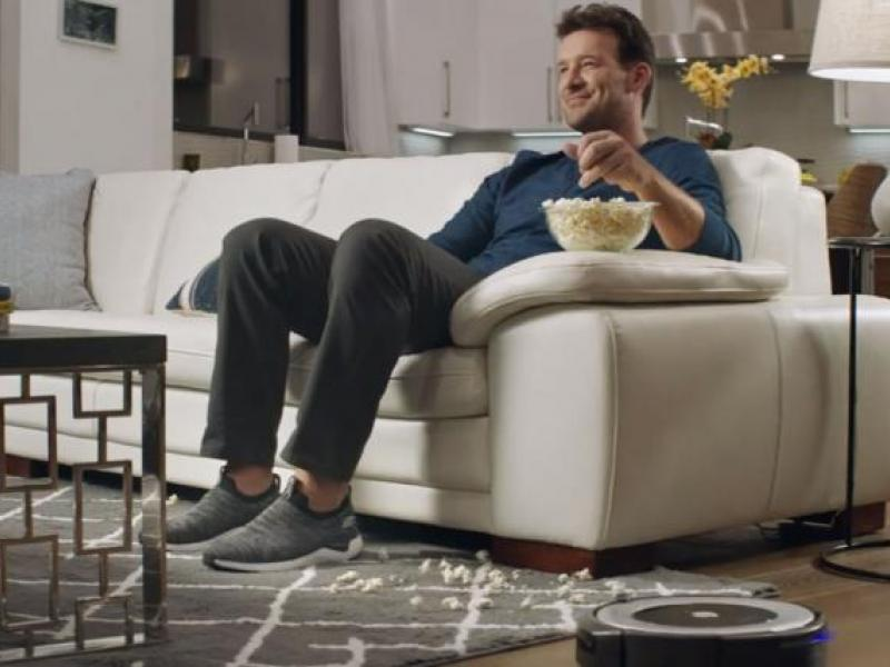 Tony Romo takes life easy in Skechers' Super Bowl commercial