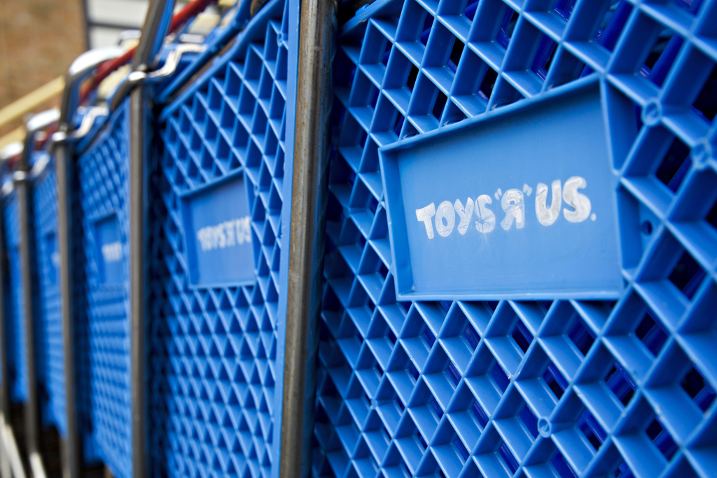Toys R Us to reopen stores in USA  later this year