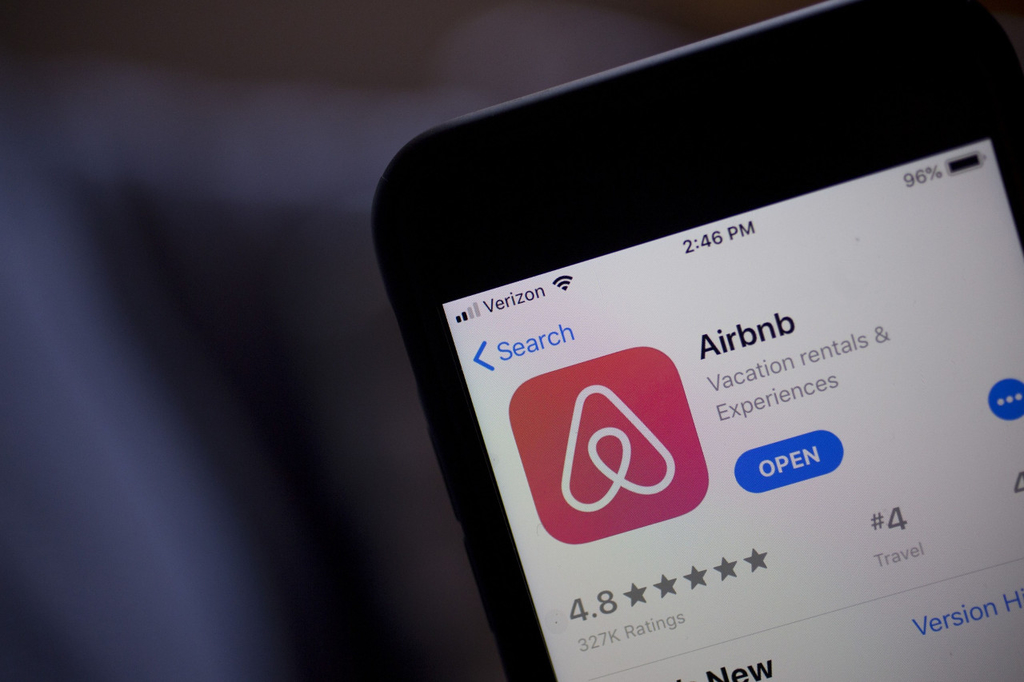 Airbnb in advanced talks about new $1.4b loan