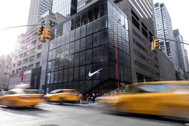 sélection premium e6a46 bfefd Inside Nike's store of the future | AdAge