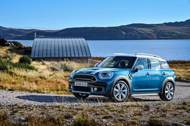 Mini Hires Pereira & O'Dell, 360i and Plots Personalized Ads