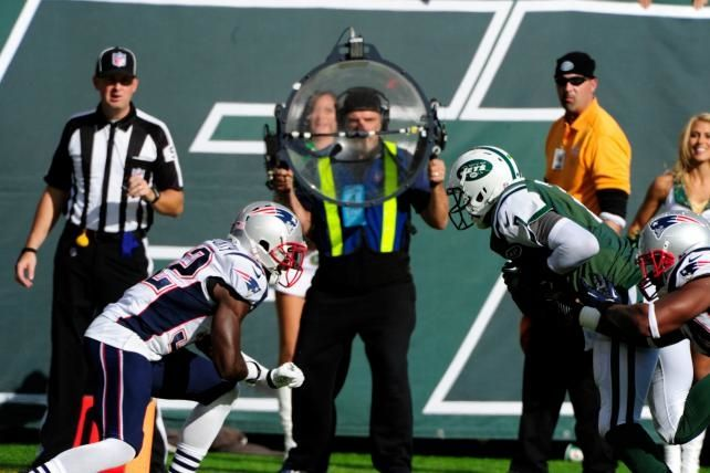CBS nabs mobile rights to NFL games