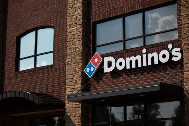 20211014_Dominos_Emily-Elconin_Bloomberg_3x2.jpg