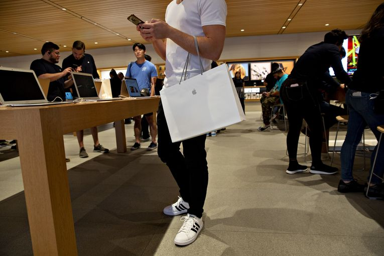 How the Apple store lost its 'wow' factor