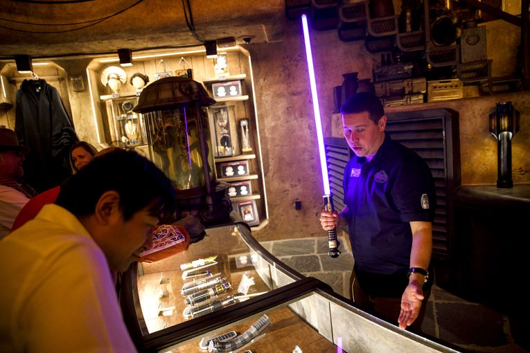 With a $25,000 R2-D2, Disney's Star Wars land is a mall for rich nerds