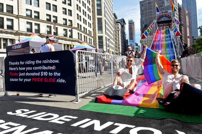 Tinder: Rainbow Slide