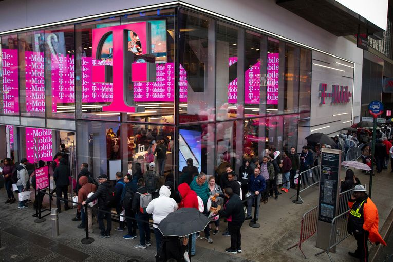 T-Mobile wins U.S. approval for Sprint merger