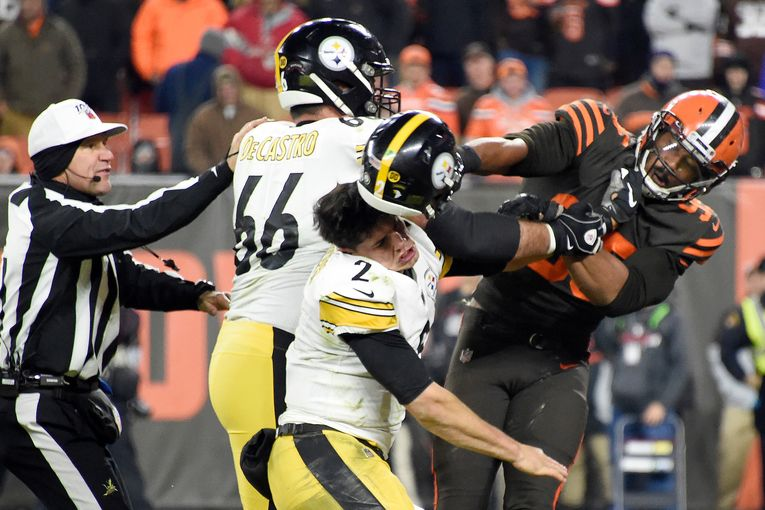 Since the season began, the NFL has managed to avoid controversy. Then last week happened: Sports Media Brief
