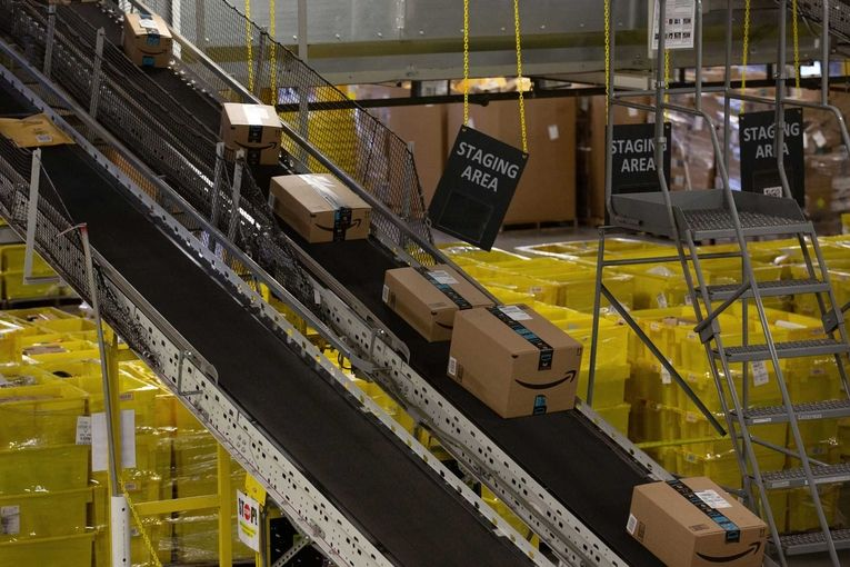Amazon tests cheap warehouses to make Cyber Monday snafu-free