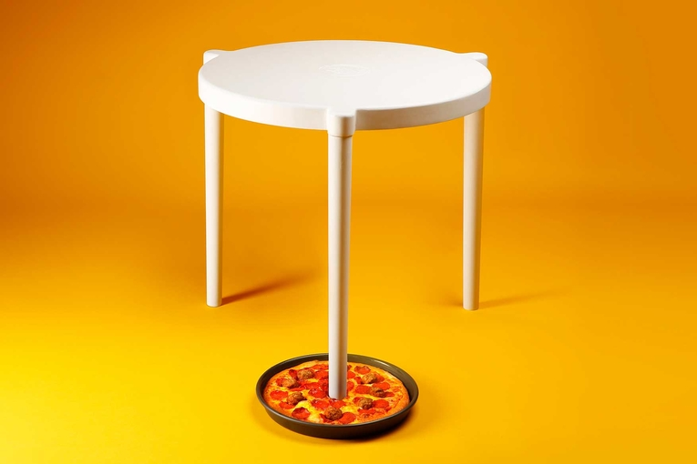Pizza Hut/Ikea: Sava Table