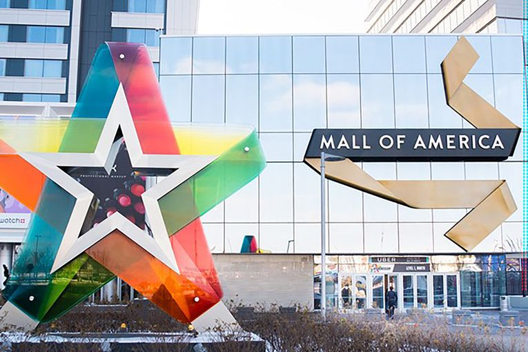 Minneapolis protests result in store closures, Mall of America reopening delay