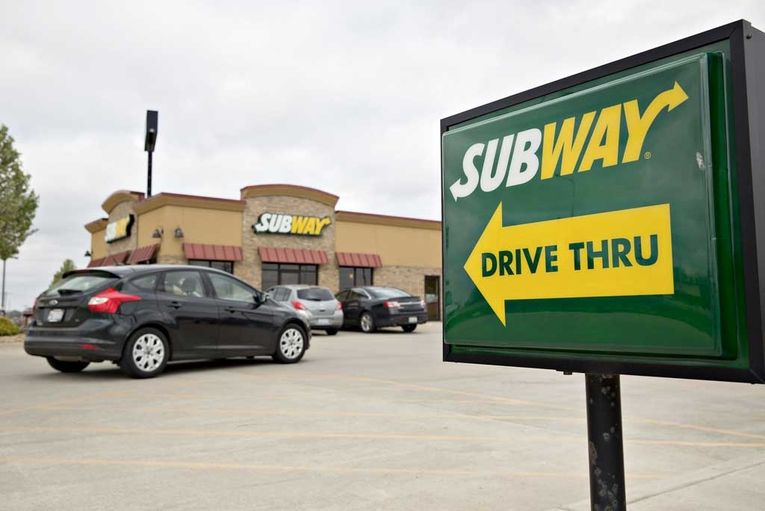 Subway brings back the $5 Footlong—but not for long