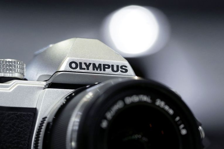 Olympus selling digital-camera business defeated by smartphones