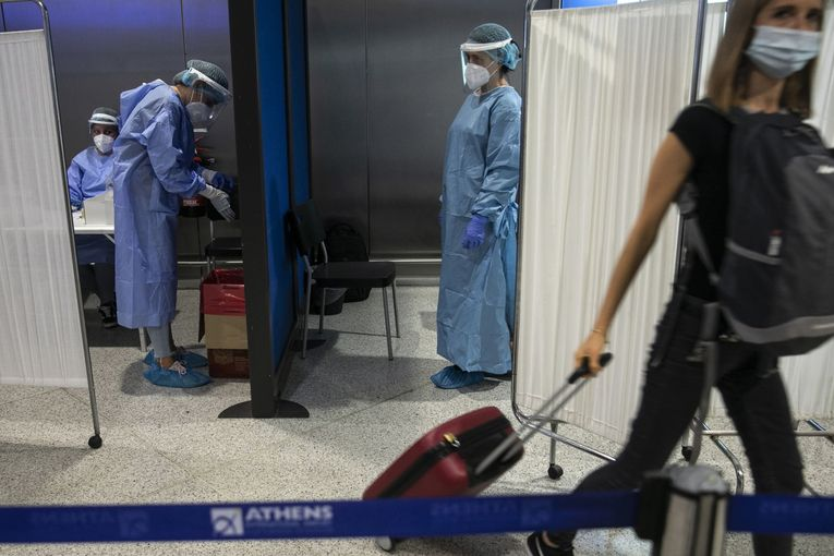 Airlines plead for mandatory virus tests to prop up demand