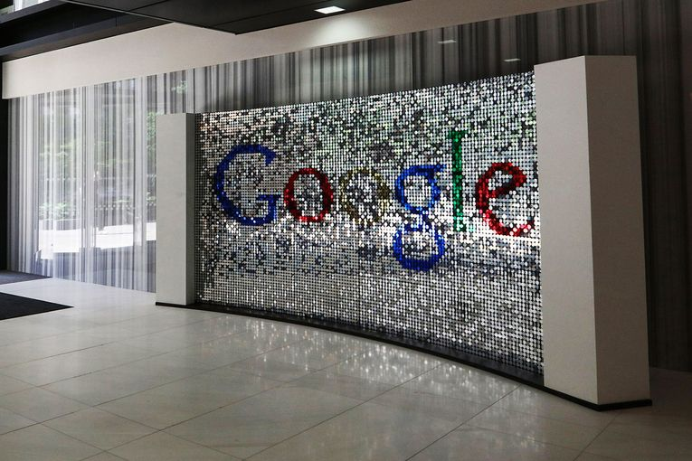 News Corp. and Google settle long pay fight with global news pact