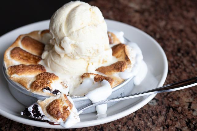 Cheesecake Factory big 'winner' of annual Xtreme Eating Awards