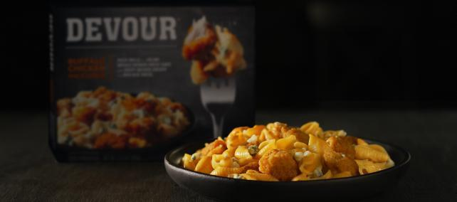 Super Bowl Alert: Commercials near sell-out, Kraft buys time for frozen food brand