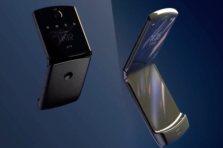 A $1,500 Motorola Razr flip phone, a Super Bowl update and an Instagram experiment: Friday Wake-Up Call