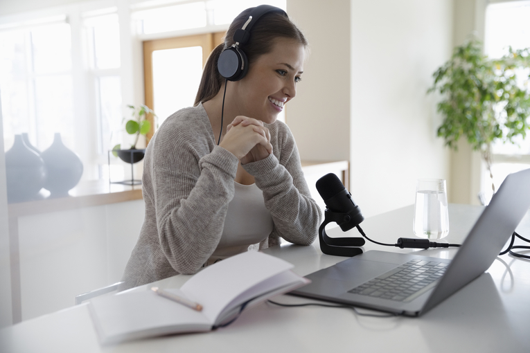 5 tips to get started in podcast advertising