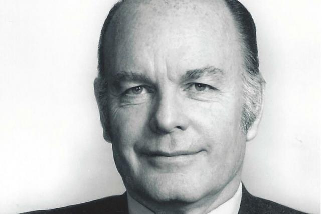 John Petersen Warwick, Adman Behind Timex 'Torture Test,' Dies at 90
