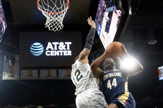 AT&T snags NBA sponsor title away from Verizon