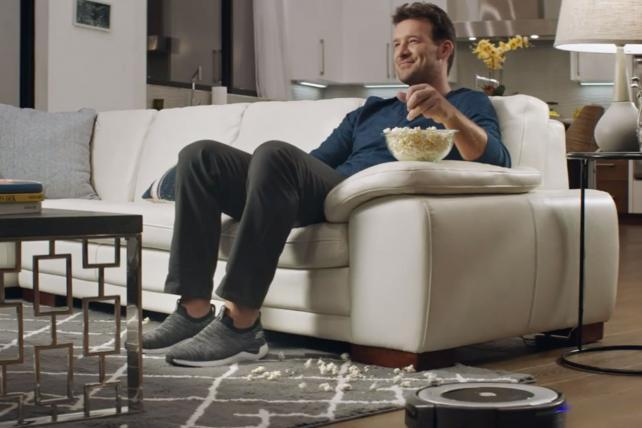 Tony Romo takes life easy in Skechers' Super Bowl commercial