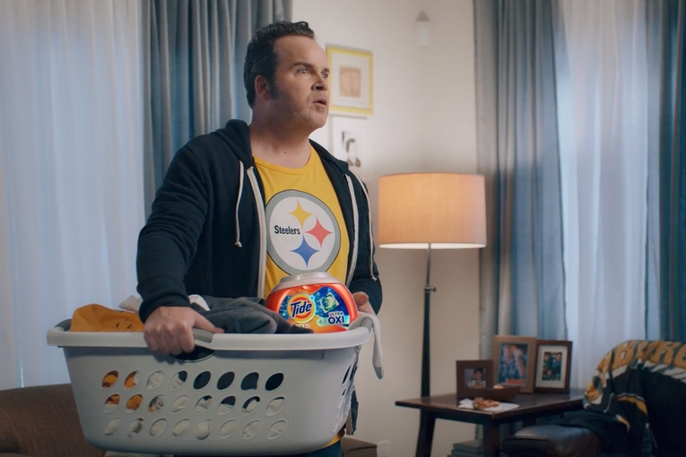 Sunday Night Football awash with Tide ads. Plus, the ad industry's recession fears: Monday Wake-Up Call