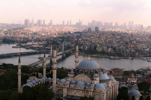 Turkish Airlines taps Ridley Scott for Super Bowl commercial