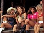 Country Singer's Ad Features Dancing 'Wal-Mart Girls'