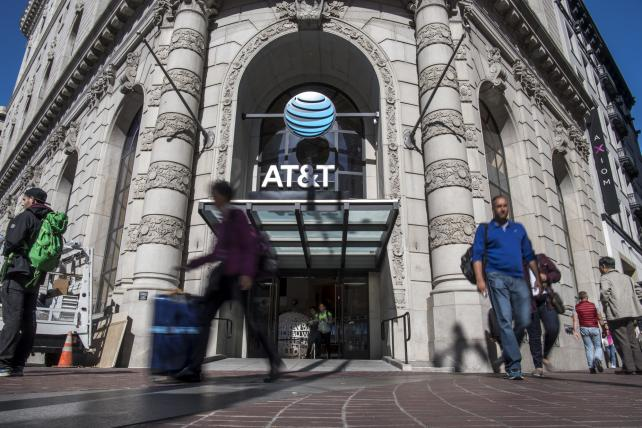 AT&T Said to Be in Early Government Talks for Time Warner Approval