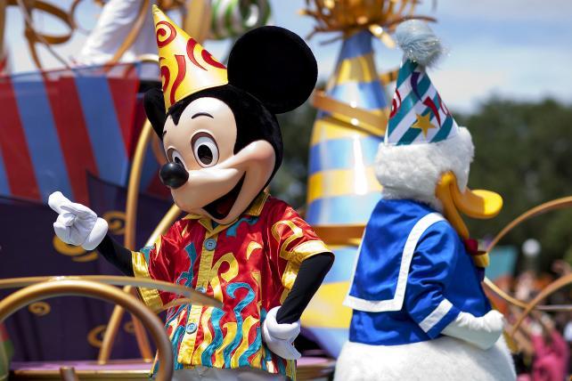 Disney Buys Fox Assets in $52 Billion Split of Murdoch Realm