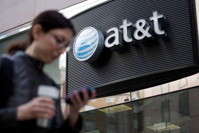 AT&T Is Weathering Sprint and T-Mobile's Ad Assaults