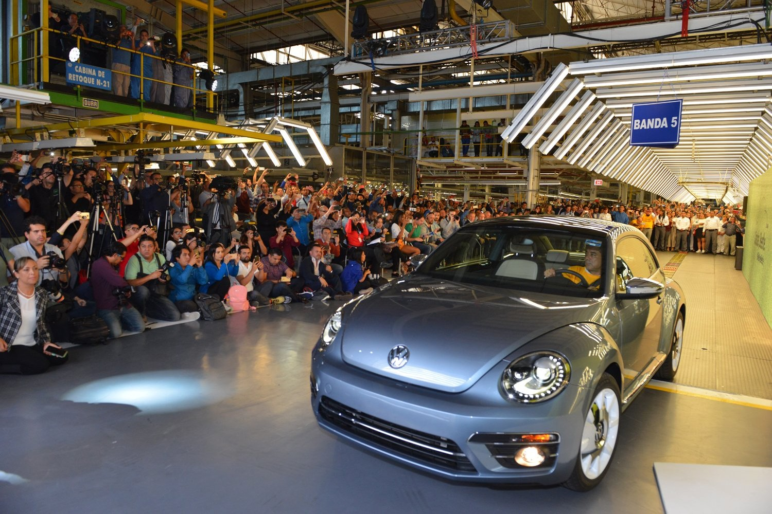 News on the Volkswagen Beetle, Snapchat and WarnerMedia's Donna Speciale: Wake-Up Call