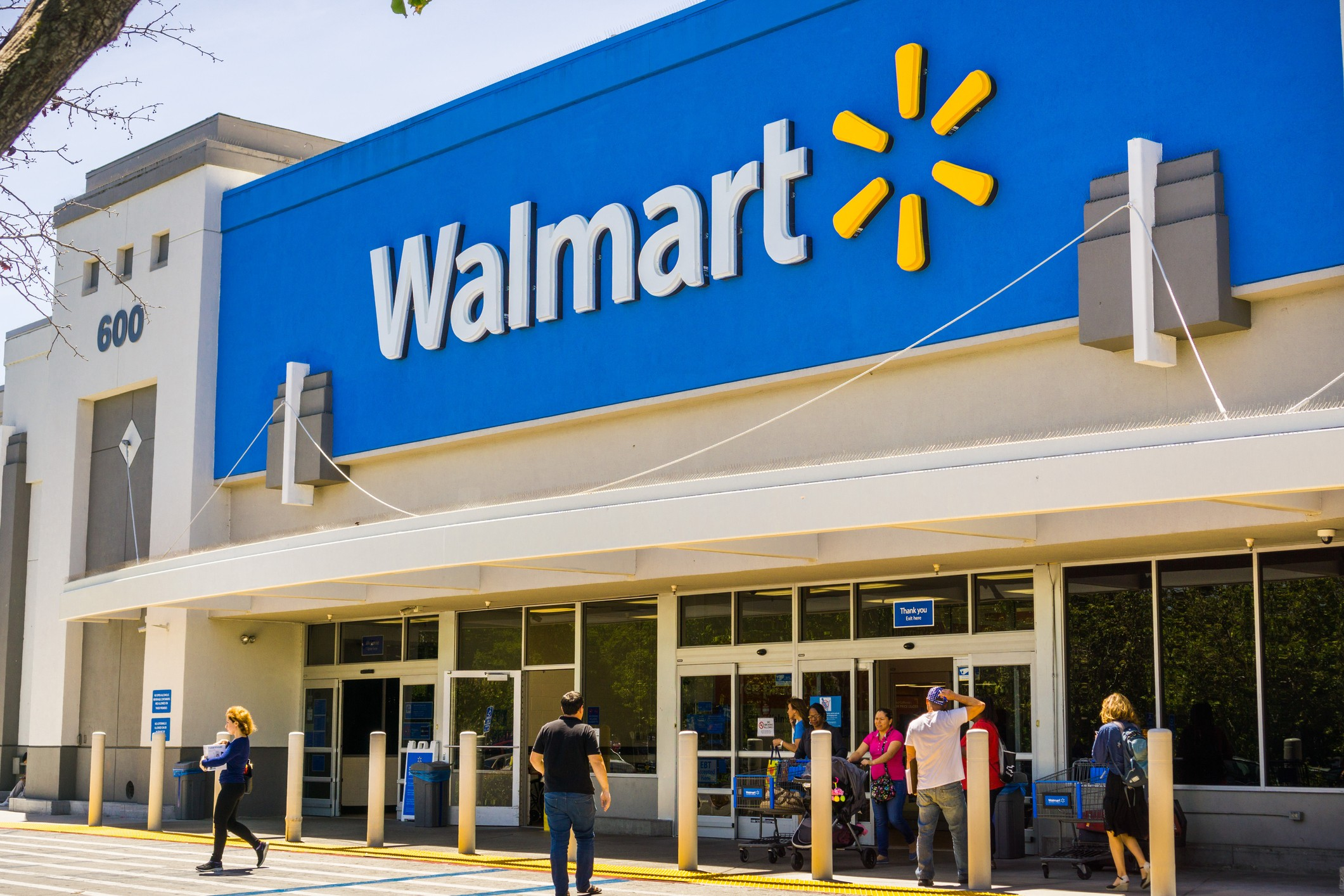 News about Walmart, Google, Forever 21, Ariana Grande and more: Wake-Up Call